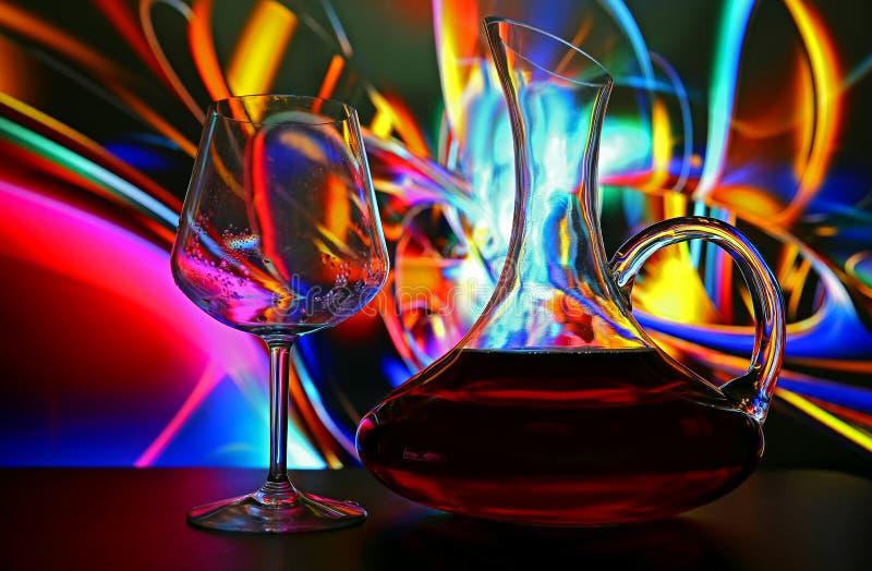 Wineexponeringsglas och karaff royaltyfri fotografi