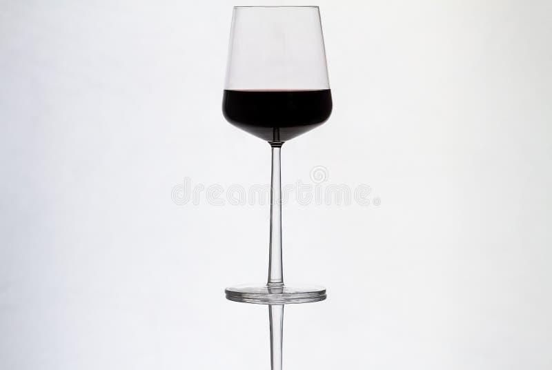 wineglass κόκκινου κρασιού στοκ εικόνες με δικαίωμα ελεύθερης χρήσης