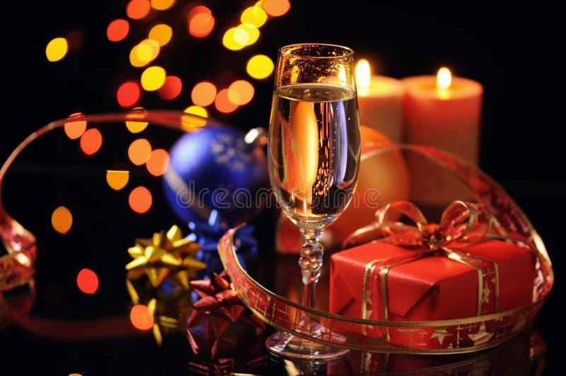 Wineglass com um champanhe imagem de stock