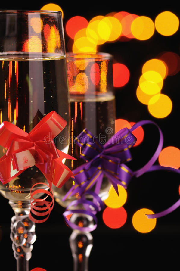 Wineglasses com um champanhe fotos de stock