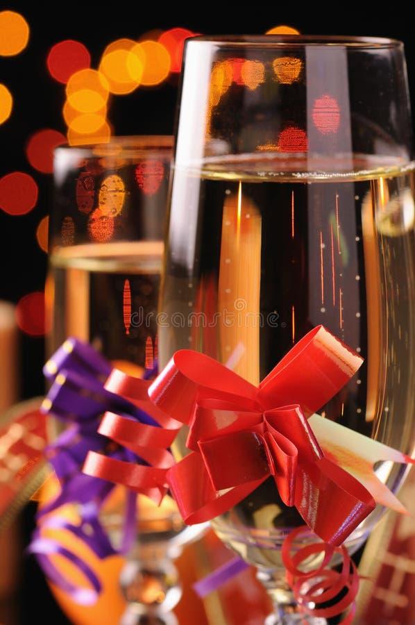 Wineglasses com um champanhe foto de stock royalty free