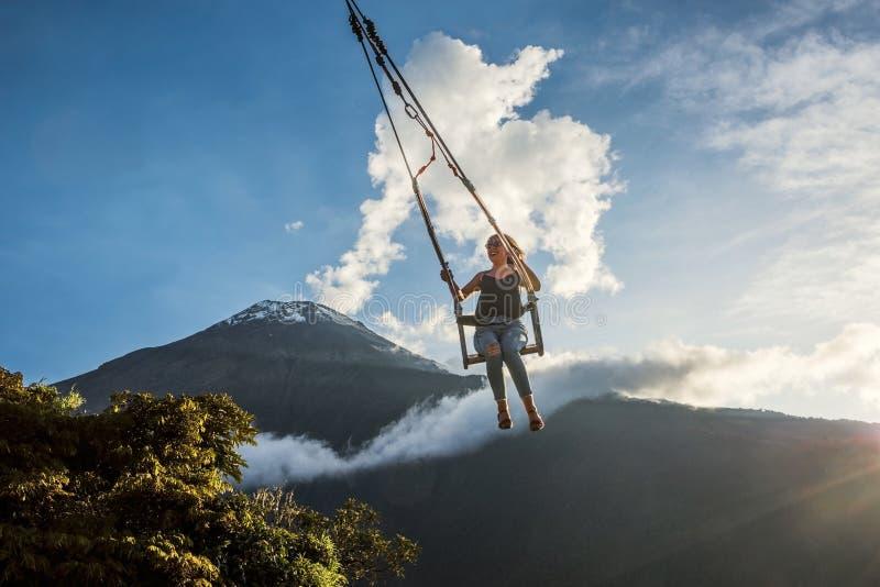 Wing At The End Of die Welt in Banos De Aqua Santa, Ecuador, Südamerika lizenzfreie stockbilder