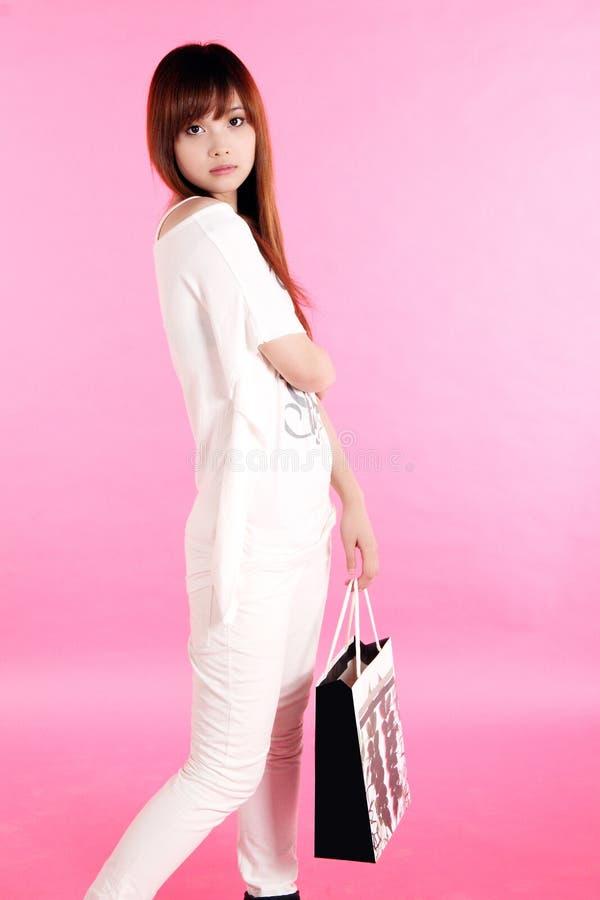 Winkelend meisje. royalty-vrije stock fotografie