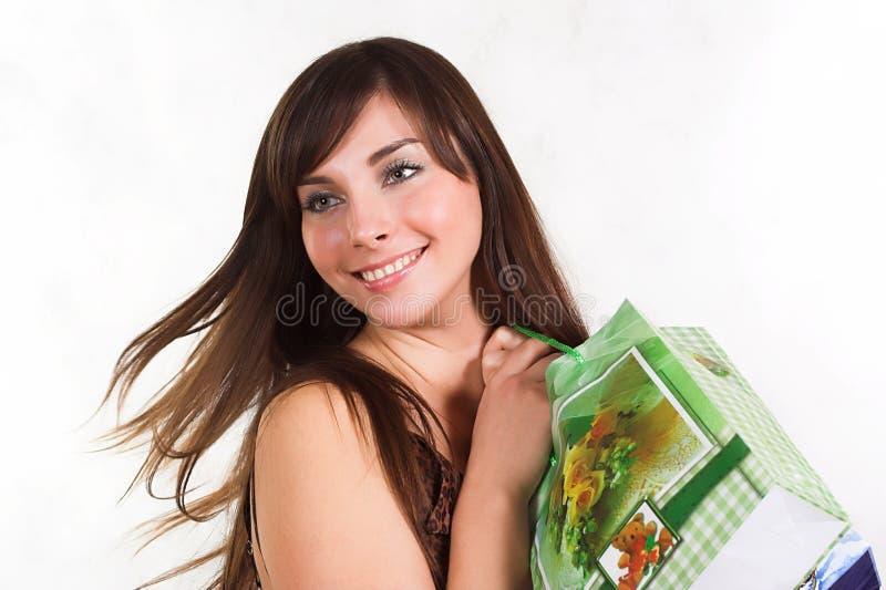 Winkelende sexy vrouw stock afbeeldingen