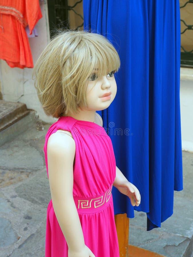 Winkelledenpop, Jong Meisje in Roze Kleding stock foto