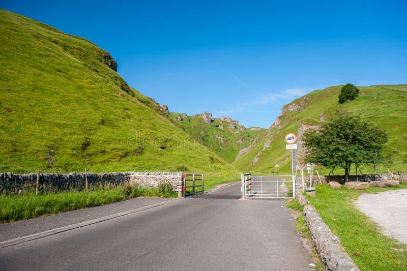Winnats passerande, maximal områdesnationalpark, Derbyshire, England, UK royaltyfri fotografi