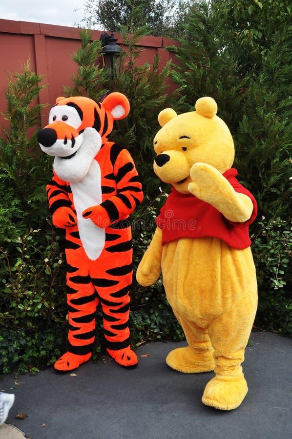 Winnie-d-Pfui und Tigger in der Disney-Welt stockbild