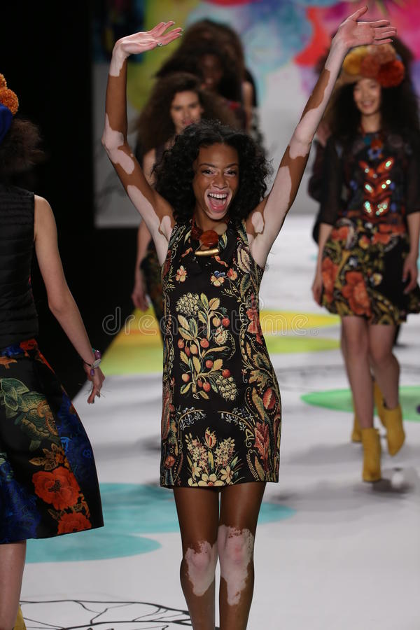 Winnie Harlow Walks The Runway At The Desigual Fashion ...