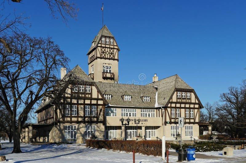 Winnipeg, Manitoba, Canadá - 2014-11-21: Opinião do inverno no museu da galeria do pavilhão fotos de stock