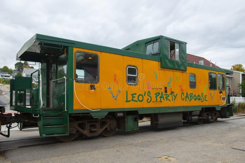 Winnipesaukee linii kolejowej Sceniczny kambuz w jazach Wyrzucać na brzeg, NH, usa zdjęcia stock