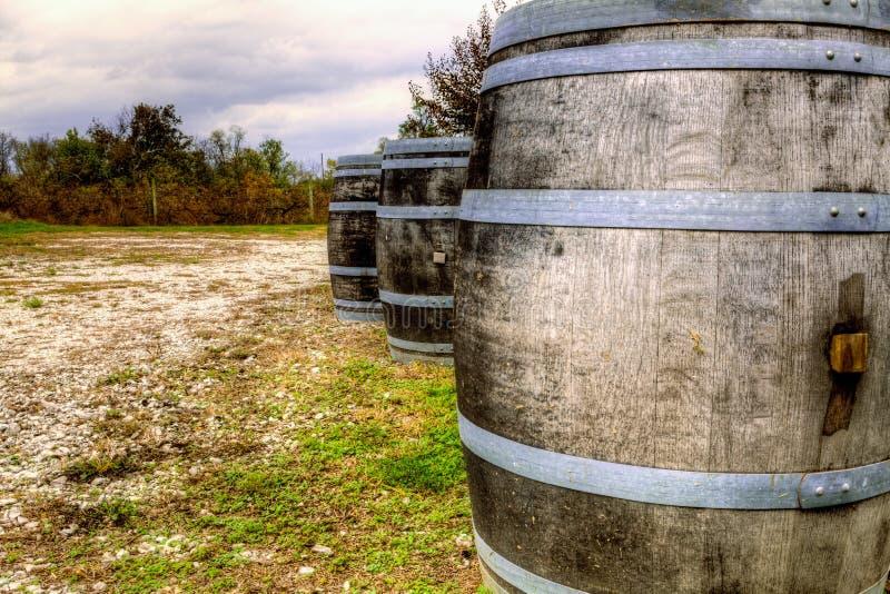Download Wino baryłki obraz stock. Obraz złożonej z korek, kraj - 34093831