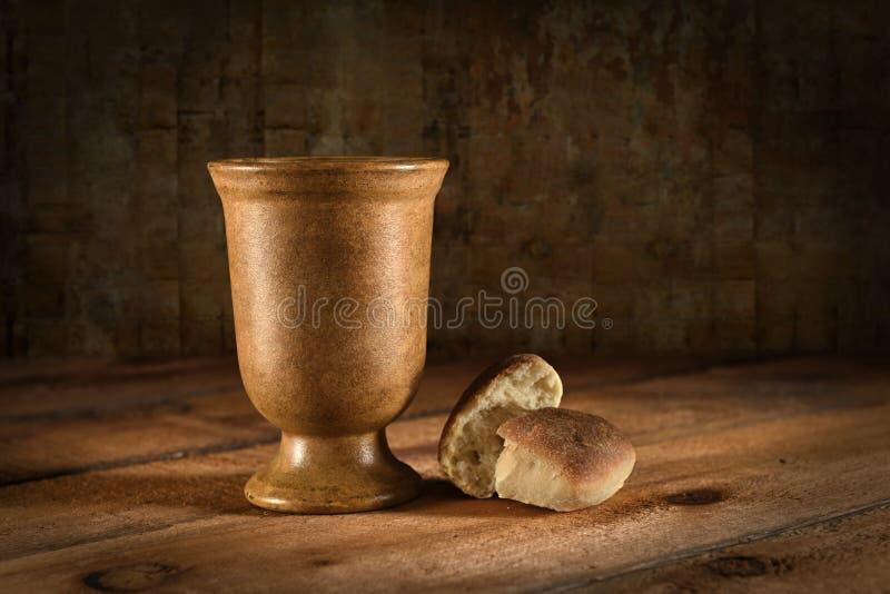 Wino chleb i czara obrazy royalty free