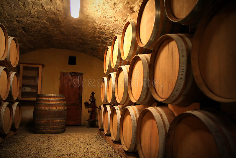 wino europejskim piwnicy zdjęcia stock