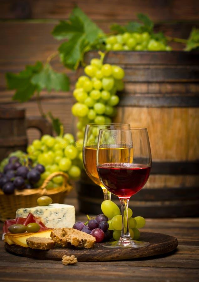 Wino i ser zdjęcia stock