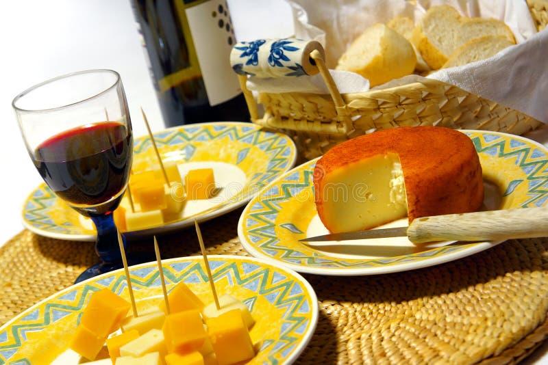 wino, ser zdjęcie royalty free