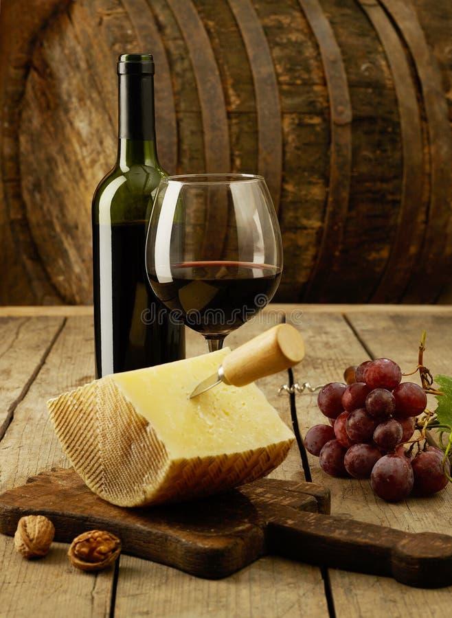 Wino, winogrona i cheddar, obraz royalty free