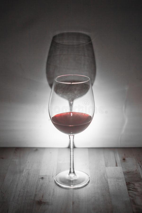 Wino z cieniem obraz stock