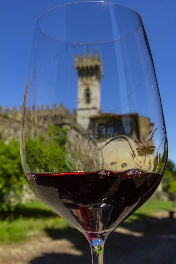 Wino z romansem Wino i kasztel Kasztele Tuscany wina region Chianti, Włochy obraz stock
