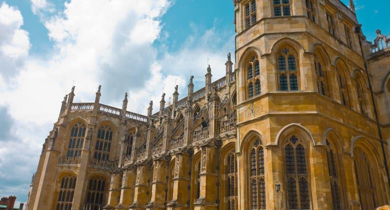 Winsdor slottSts George gotiska kapell royaltyfria foton