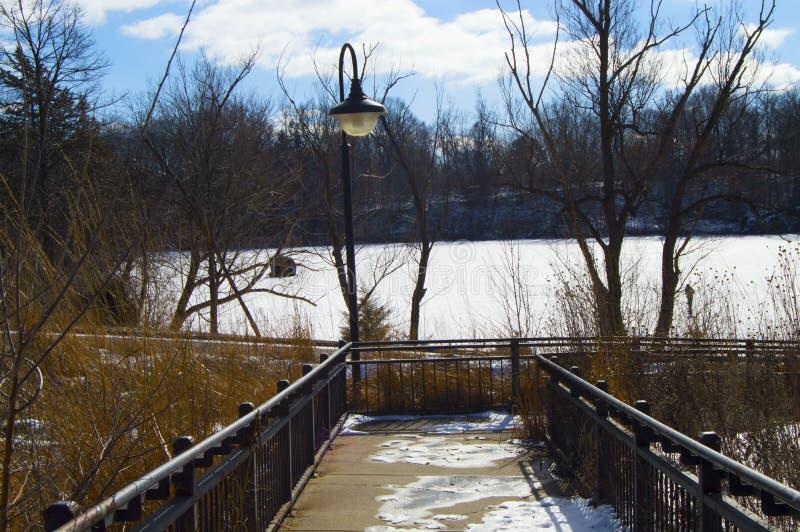 Download Winter湖 库存图片. 图片 包括有 beauvoir, 海景, 面板, 贿赂, 照亮, 场面, 布赖恩 - 72359669