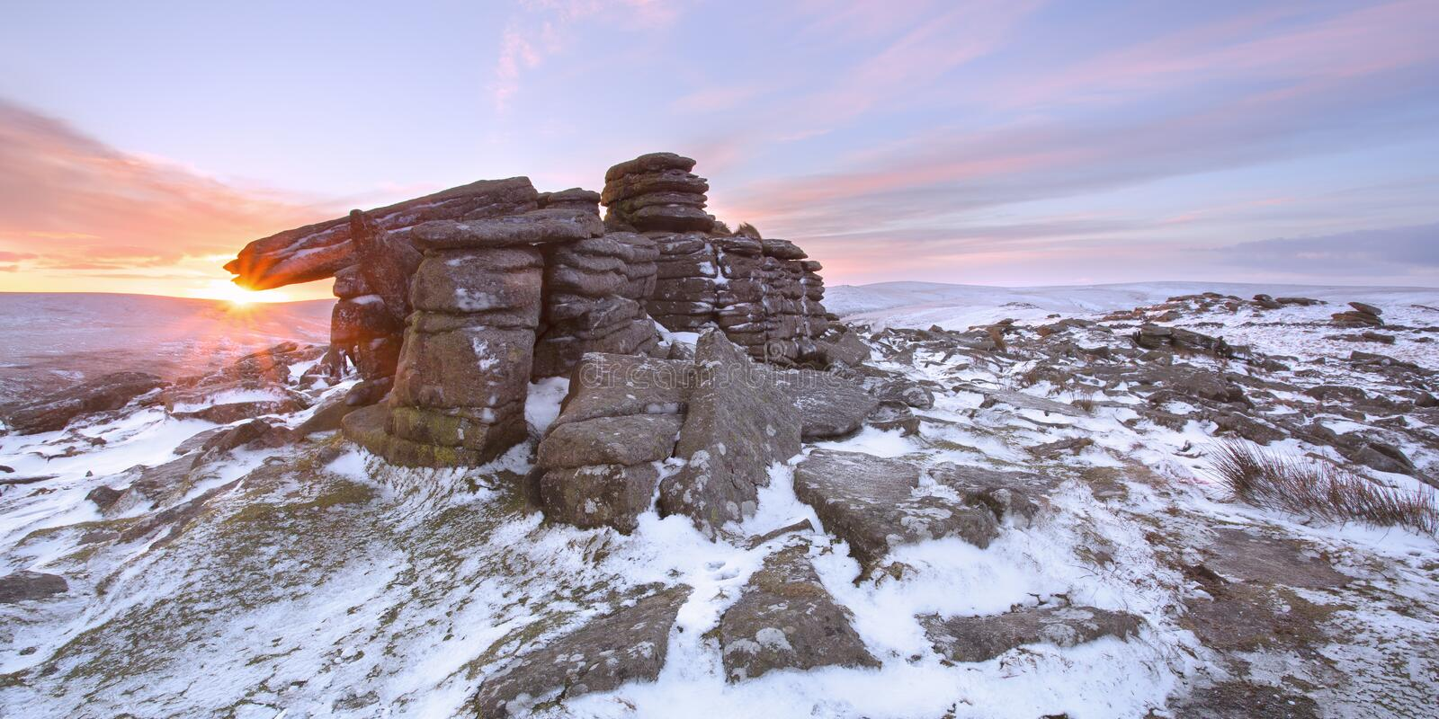 Winter auf belstone Felsen Dartmoor lizenzfreie stockfotos