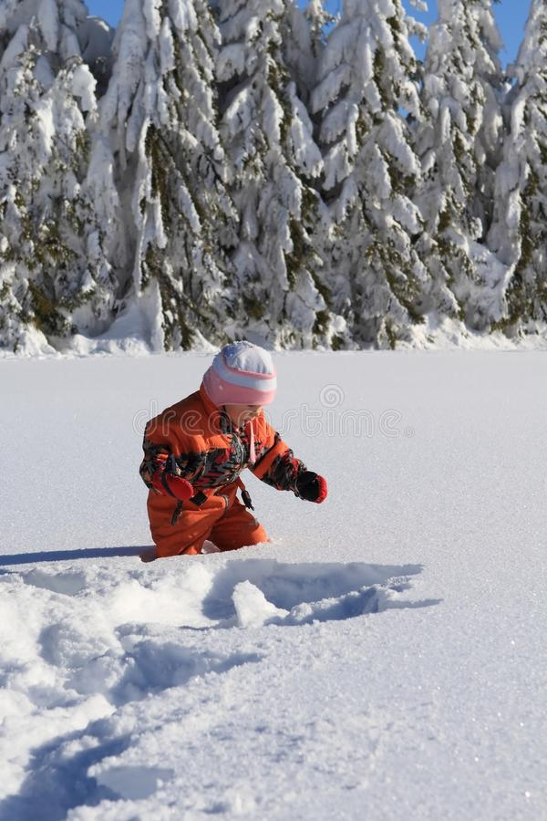 Free Winter Child In Snow Stock Photography - 27987562