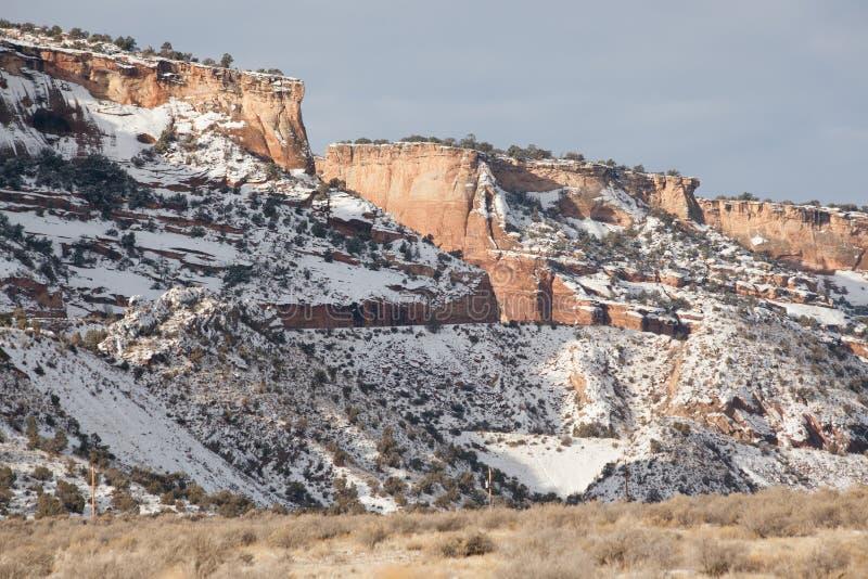 Winter am Colorado-Nationaldenkmal lizenzfreie stockfotografie