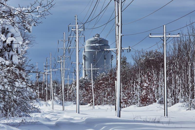 Winter die fairytale voor de schoonheid van de sneeuwstormaard de zorgen stock foto