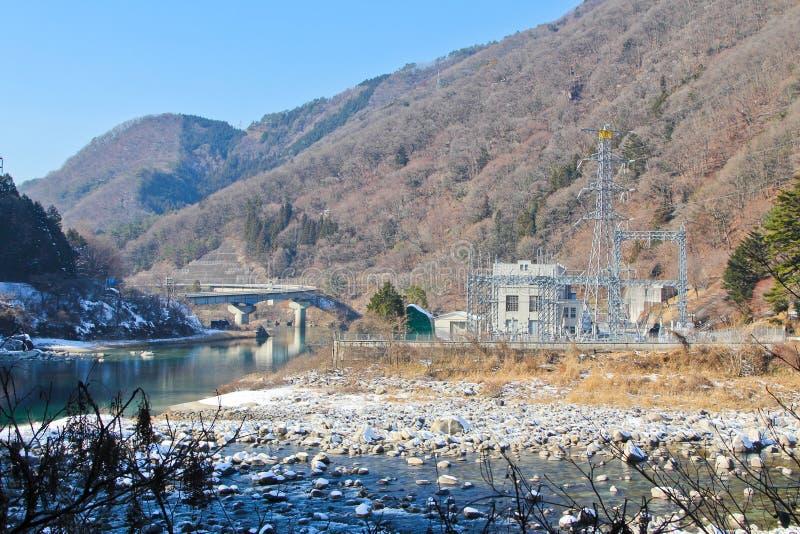 Winter hydroelektrisch stockfotos