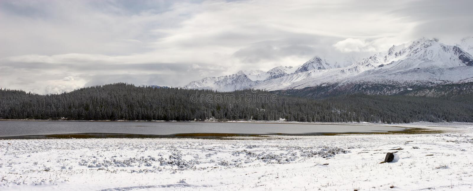 Winter lake and mountains. stock images
