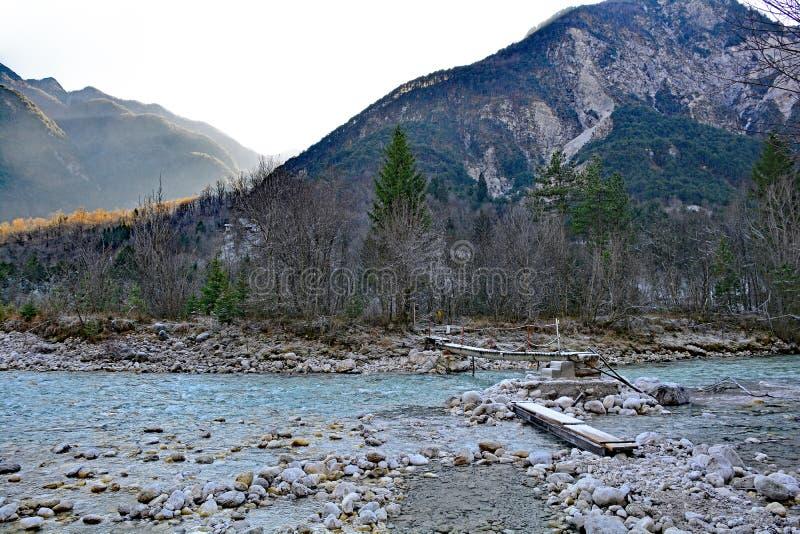 Winter-Landschaft nahe Tolmezzo stockfotografie