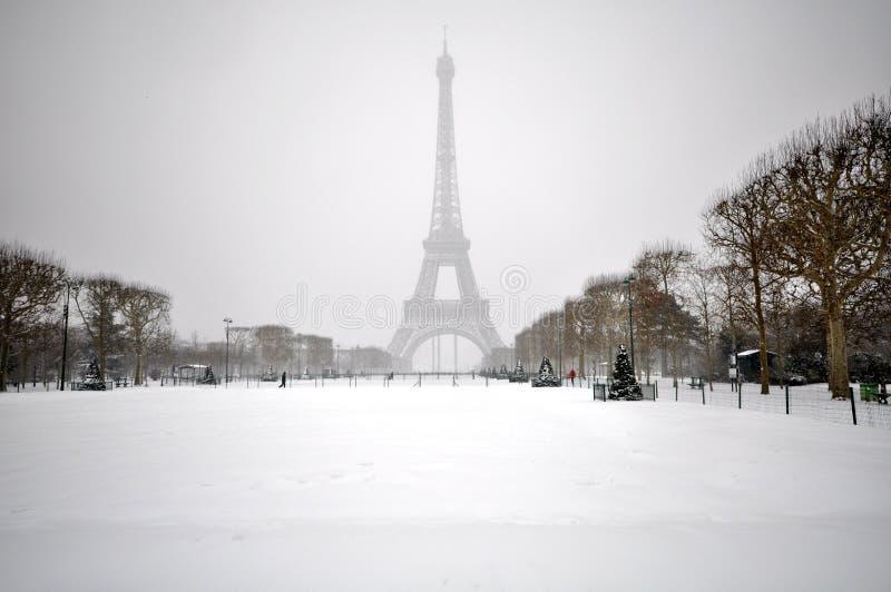 Winter in Paris stockbilder