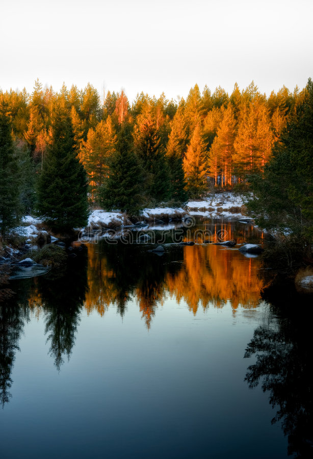Free Winter River Royalty Free Stock Images - 3916719