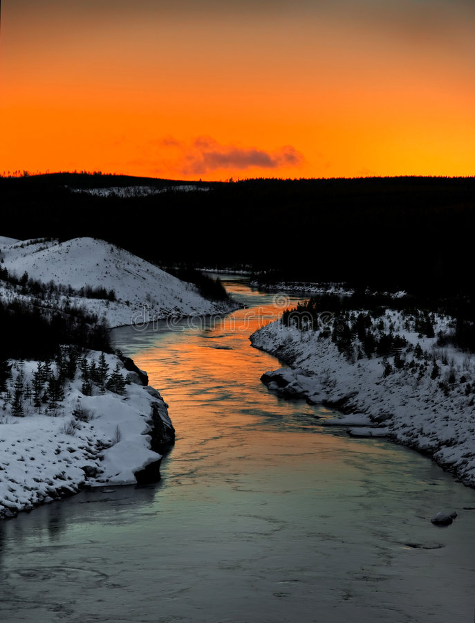 Free Winter River Scenery Royalty Free Stock Image - 3916696