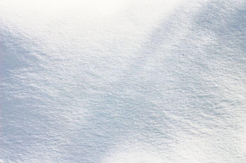 Winter - Schnee-Schreiben Briefe geschrieben auf die Schneeoberfläche Eisig und Sunny Day stockfotos