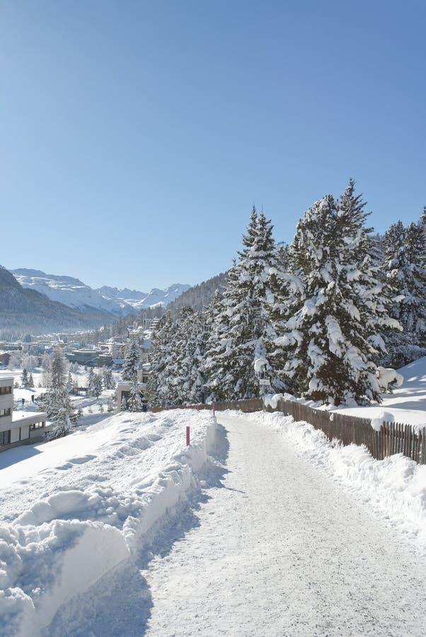 Winter in St Moritz stockfotos