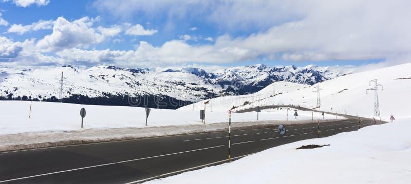 Winter-Straße lizenzfreie stockbilder