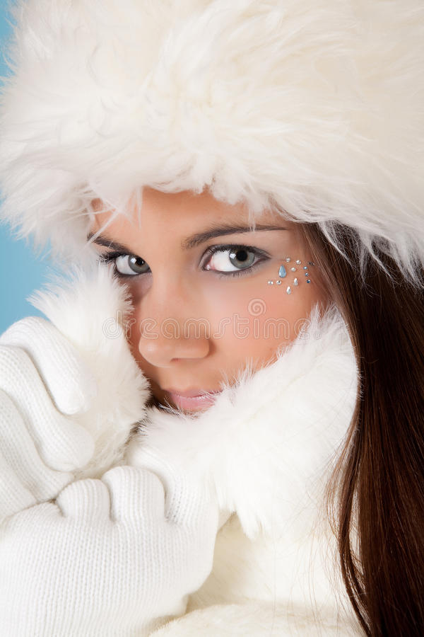 Free Winter Woman With Fur Hat Stock Photo - 14685810