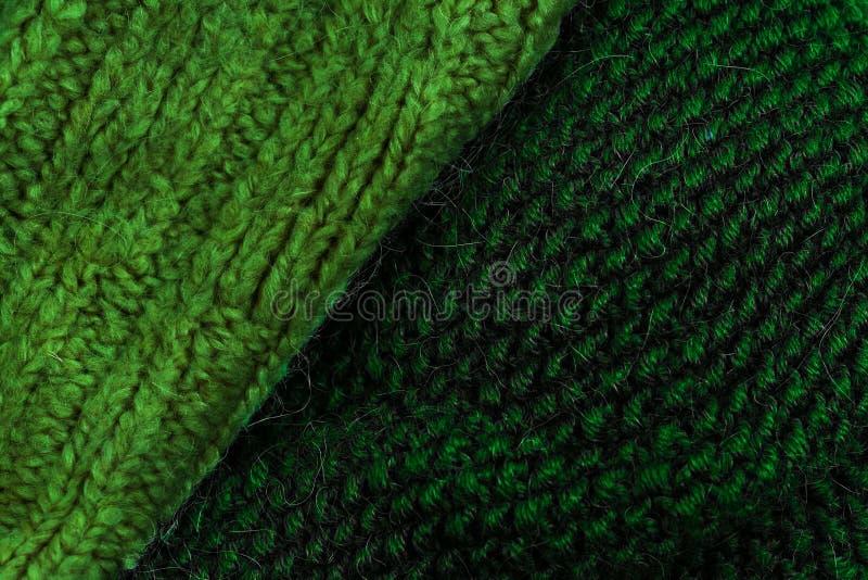 Winter woolen Beschaffenheitshintergrund strickend Buntes gestricktes hori lizenzfreie stockfotos