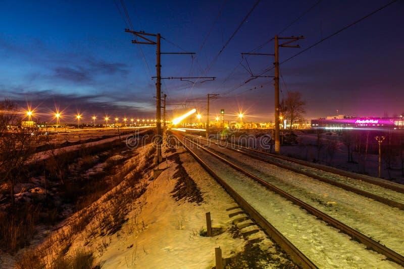 Winterabend in St Petersburg auf Altern stockfotografie