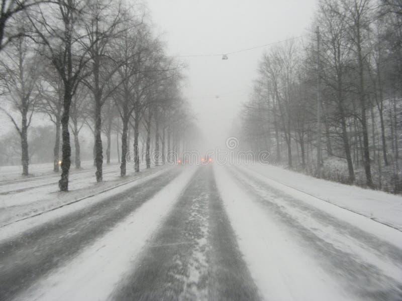 Winterantreiben lizenzfreie stockbilder