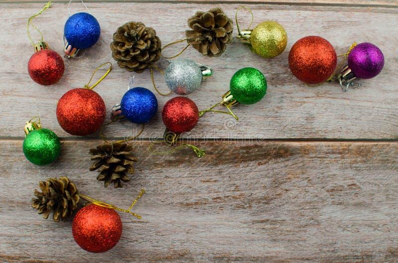 Winterbaumgeschenk-Nussstöße des neuen Jahres des Weihnachtshintergrundes lizenzfreies stockfoto
