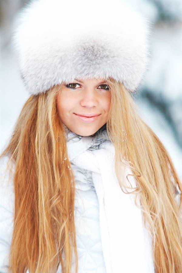 Winterfrau stockfotografie