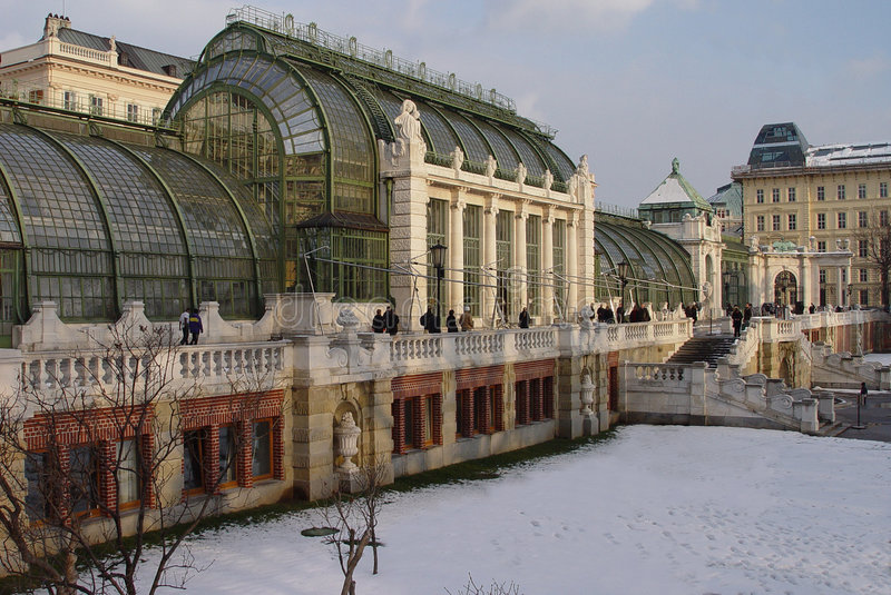 Wintergarden dello Snowy Vienna fotografia stock libera da diritti