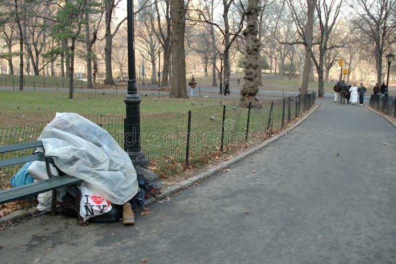 Winterhaus für Obdachlosen lizenzfreies stockbild
