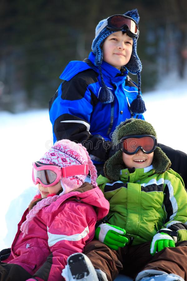 Winterkinder lizenzfreies stockfoto