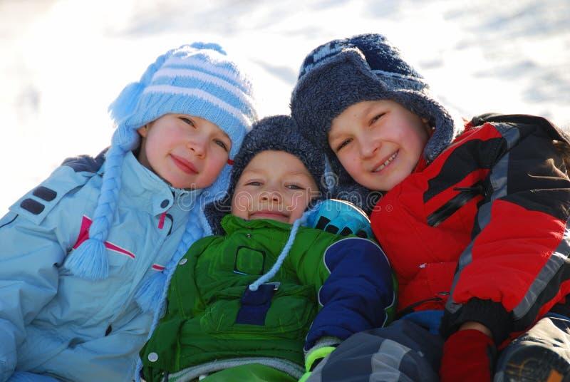 Winterkinder lizenzfreie stockbilder