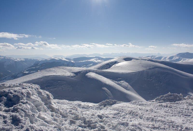 Winterlandschaft auf Bjelasnica Berg in Bosnien stockfotografie