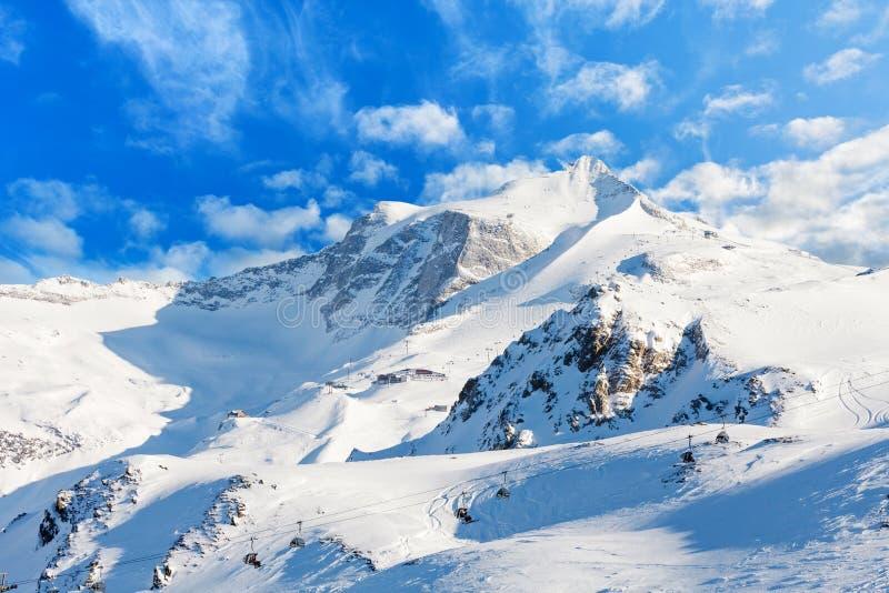 Winterlandschaft in den Alpen stockbild