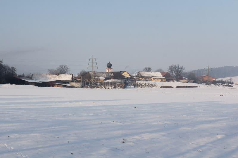 Winterlandschaft im Bayern lizenzfreie stockfotografie